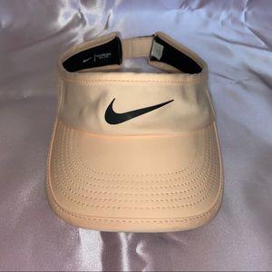Nike visor hat 🧢